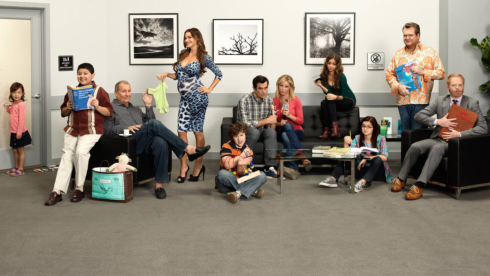 Modern family wallpaper 20 for Modern family wallpaper
