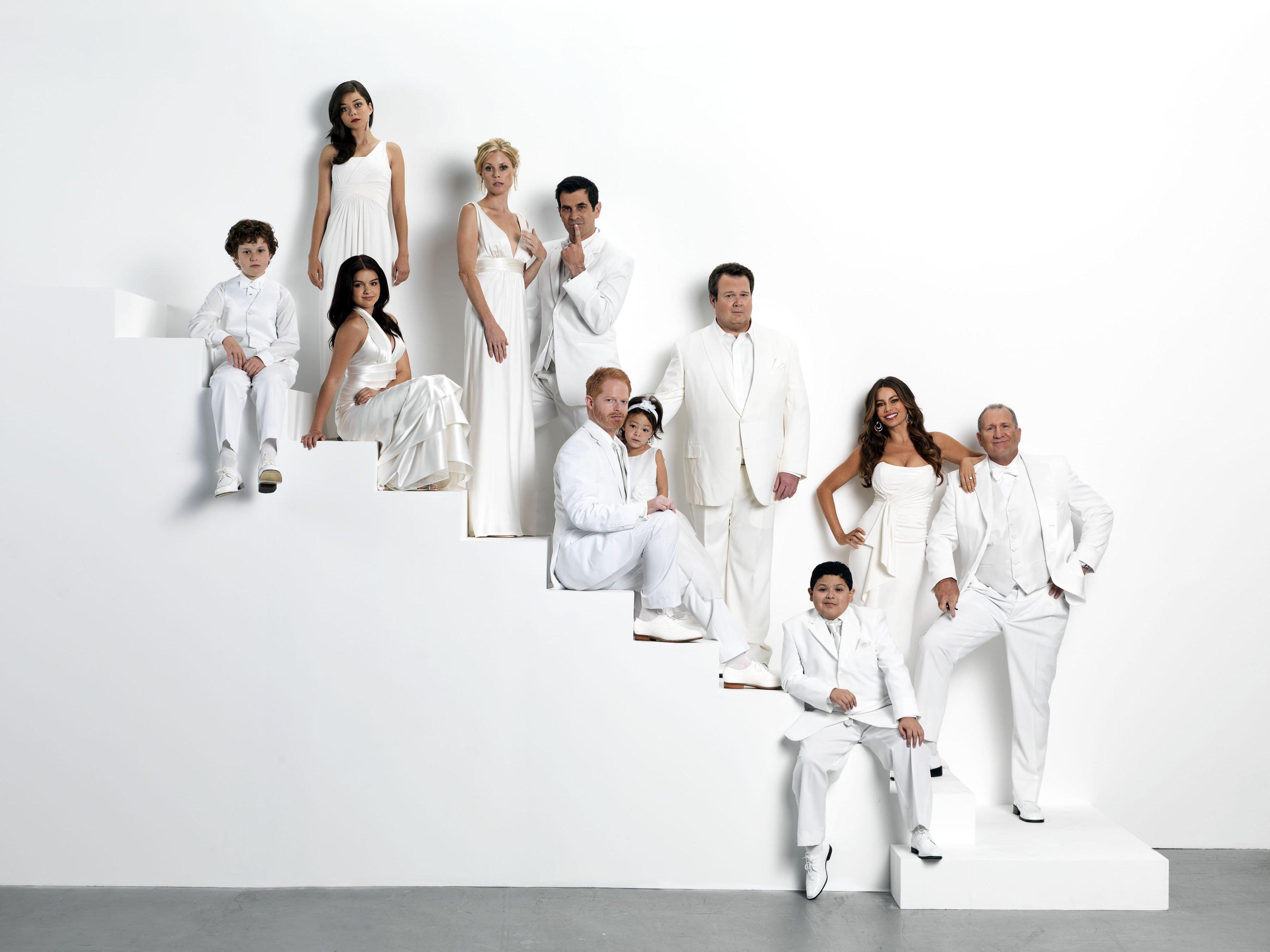 modern family wallpaper 8